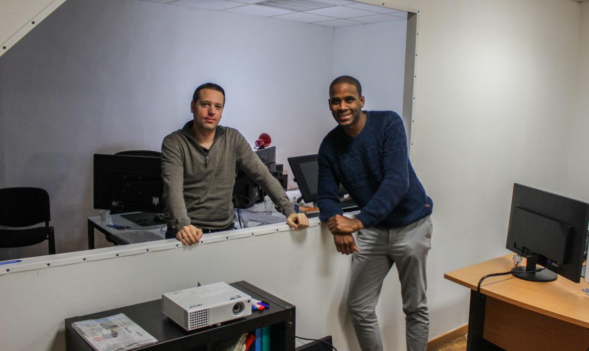 """Sylvain Sahy et Anthony Rosmade, deux des """"Mains Digitales"""" dans leurs bureaux"""