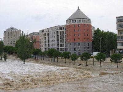 Avenue du Pirée inondée par la crue du lez