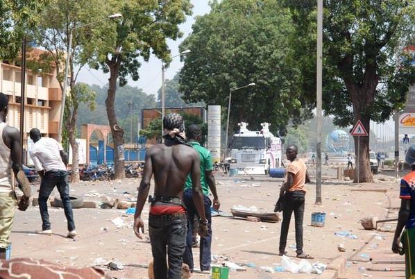 Intifada au Burkina Faso entre manifestants et policiers
