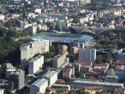 le stade est situé en bordure du parc Paul Mistral