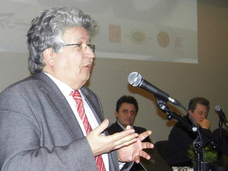 Elie Cohen : «mon travail de chercheur a été bouleversé par le net»