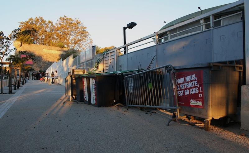 Montpellier : blocus des lycées, poubelles retirées