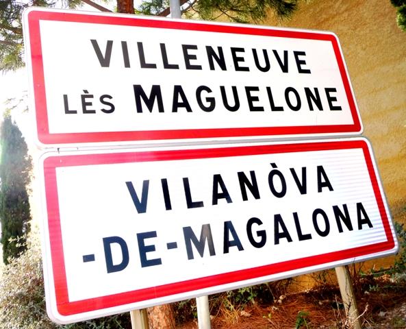 Les panneaux bilingues sont-ils contraire au Code de la route ?