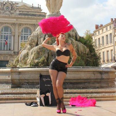 Quand l'art burlesque s'acoquine avec le sein…