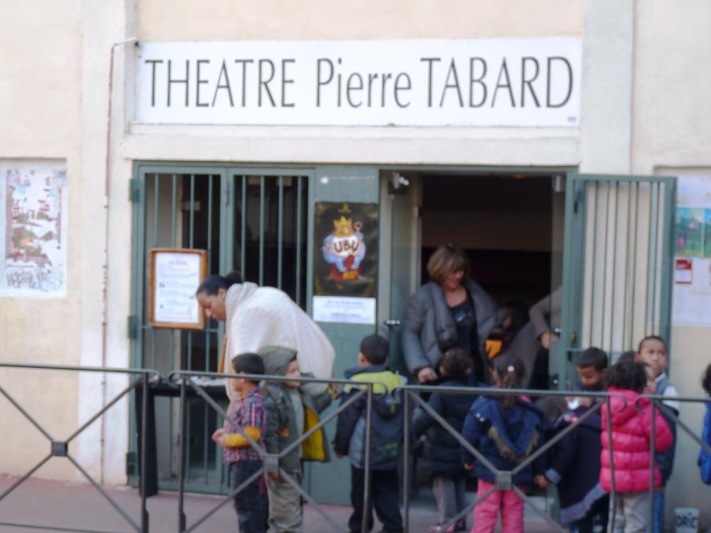 Théâtre Pierre Tabard: «C'est l'imaginaire qui fait le flic à ta place.»