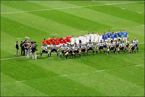 Rugby : Le XV de France face à l'Everest All-Blacks