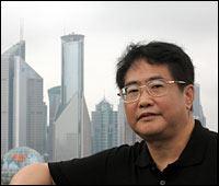 De soie et de sang : Qiu Xiaolong aux prises avec un tueur en série