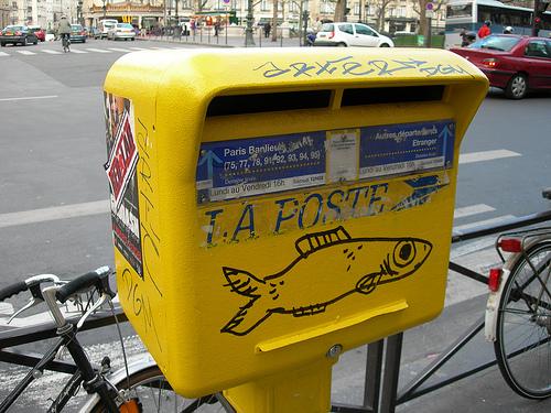 Poste des villes ou poste des champs, qui vous réservera le meilleur accueil ?