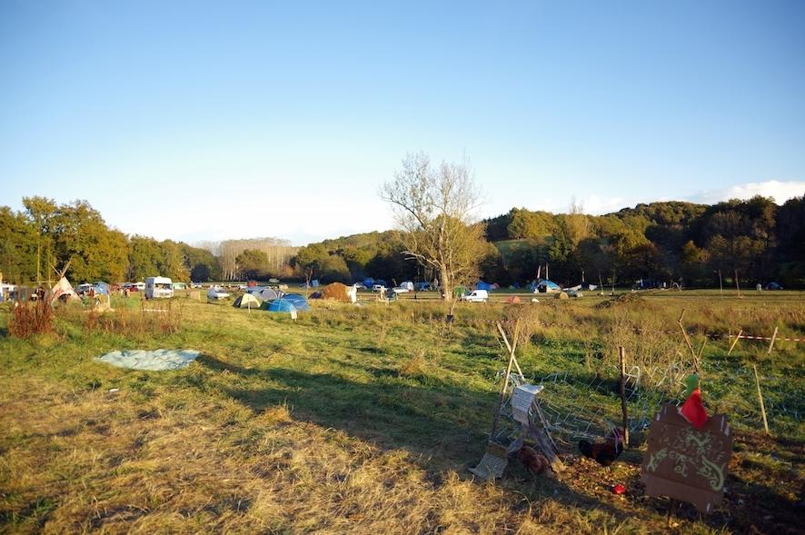 Le camp principal, à l'est de la ZAD